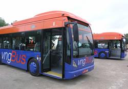 Dos autobusos nous s'incorporen al transport urbà de VNG