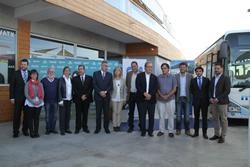 Fotografia dels assistents a la presentació de Monbus
