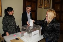 La majoria de treballadors municipals va exercir dimecres el seu dret a vot