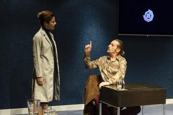 L'obra fa treballar l'actor i els espectadors