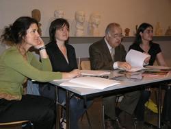 La regidora de Cultura, Isabel Pla, ha presidit la presentació de l'exposició que s'inaugura dijous al Balaguer