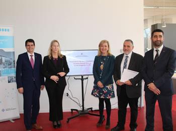 Foto institucional de l'acte de presentació de la fibra òptica a l'Eix Diagonal