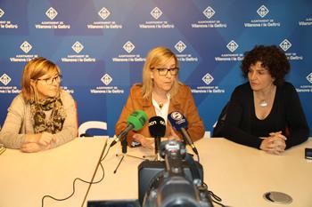 Neus Lloveras amb Glòria Garcia i Teresa Llorens
