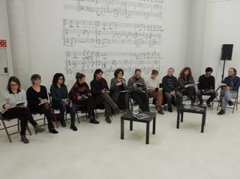 La regidora va estar acompanyada dels artistes i creadors locals que participen en la nova temporada