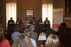 Imatge d'arxiu de la signatura del conveni entre l'Ajuntament i la Diputació per posar en marxa el SIDH