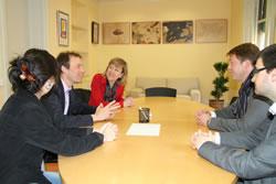 Imatge de la reunió entre el Govern vilanoví i la delegació de Service2Media