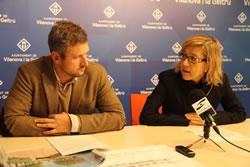 Neus Lloveras i Joan Giribet han parlant del projecte de millora del pas sota la via del c. de la Llibertat