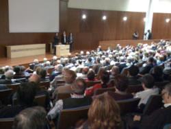 El públic va omplir l'auditòri de Neàpoilis