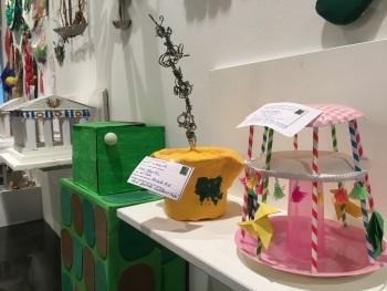 La Sala acull la mostra d'objectes reciclats