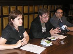 Isabel Pla, Tomàs Álvaro i Salvador Becerra