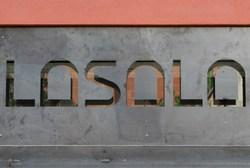 El Centre d'Art Contemporani La Sala és al carrer de Joaquim Mir