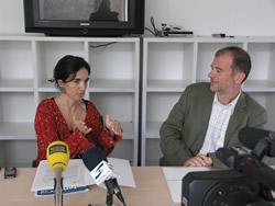 Mila Arcarons, Regidora de Comunicació i Premsa, amb Xavier Abelló, gerent d'ICVSAM