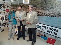 Maribel Rodríguez, Gerard Figueras i Pere Cayuela amb el premi Joan Camprobó aquest matí a ExpoBages