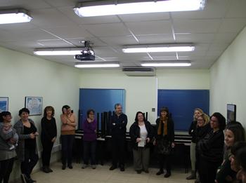La xerrada va estar acompanyada d'alguns exercicis amb les i els participants