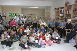Els i les alumnes de l'escola Llebetx s'han trobat amb els avis i àvies del CAPI Baix-a-mar