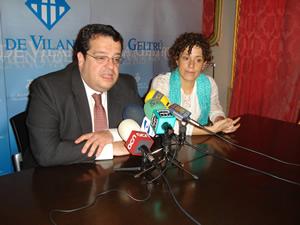 L'alcalde de VNG, Joan Ignasi Elena i la segona tinent d'alcalde, Iolanda Sánchez