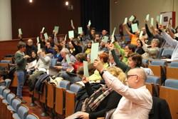 La primera Assemblea Municipal Oberta es va fer el 16 de novembre a Neàpolis