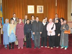 El grup s'ha fotografiat a la Sala de Plens de l'Ajuntament de VNG