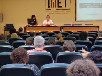 El Consell Municipal Escolar, a la sala d'actes de l'IMET