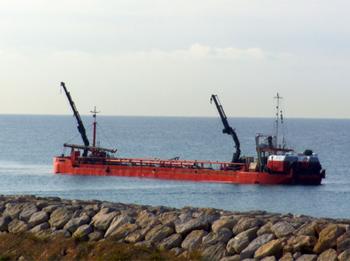 Imatge d'arxiu del dragatge del port
