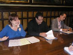 La Regidora de Cultura, Isabel Pla, amb l'alcalde de la ciutat, Joan Ignasi Elena i el gerent de FFC, Fracesc Fernández