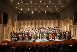 Tots els participants en el concert van rebre una gran ovació