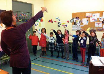 Els alumnes més petits comencen amb classes de sensibilització musical
