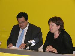 L'alcalde de VNG, Joan Ignasi Elena, i la Regidora de Cultura, Isabel Pla
