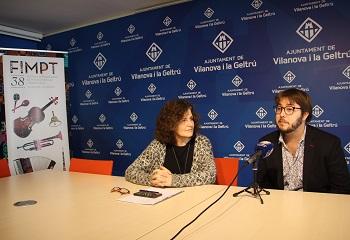Teresa Llorens i Manu Sabaté en roda de premsa