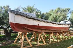 El bot es cobrirà ara amb una carpa per poder ser restaurat sense els inconvenients meteorològics