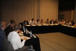 Imatge de la reunió de constitució del Consell Assessor de l'EFAV, el juliol de 2013