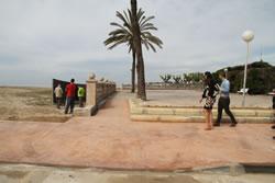 L'actuació permet l'accés al parc de Ribes Roges, mitjançant una rampa i esglaons