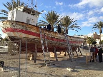 Fent els plànols de la barca Mercè
