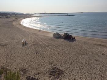 Dispositiu de neteja de platges, matí de Sant Joan