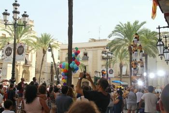 Un moment del rodatge a la plaça de la Vila