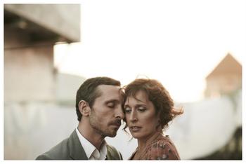 L'obra està protagonitzada per Clara Segura i Pablo Derqui