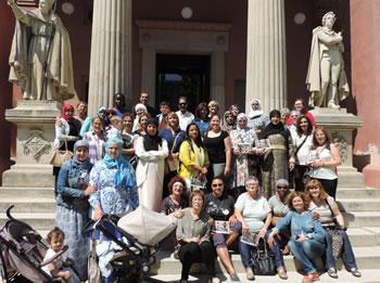 Foto de grup de les participants dels projectes 'Compartim' i 'Dona, Identitat i Diversitat'