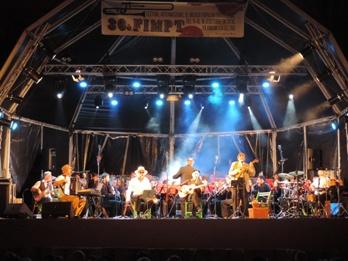 El tipus d'escenari ha millorat la qualitat del so del festival i ha estalviat molèsties als veïns