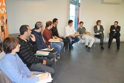 Alguns dels emprenedors seleccionats amb Tomàs Álvaro i Joan Carles Lluch