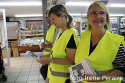 L'alcaldessa va formar part de l'equip de voluntaris d'un supermercat