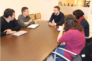 Reuni de la comissi de seguiment del pla local d 39 habitatge for Oficina de habitatge