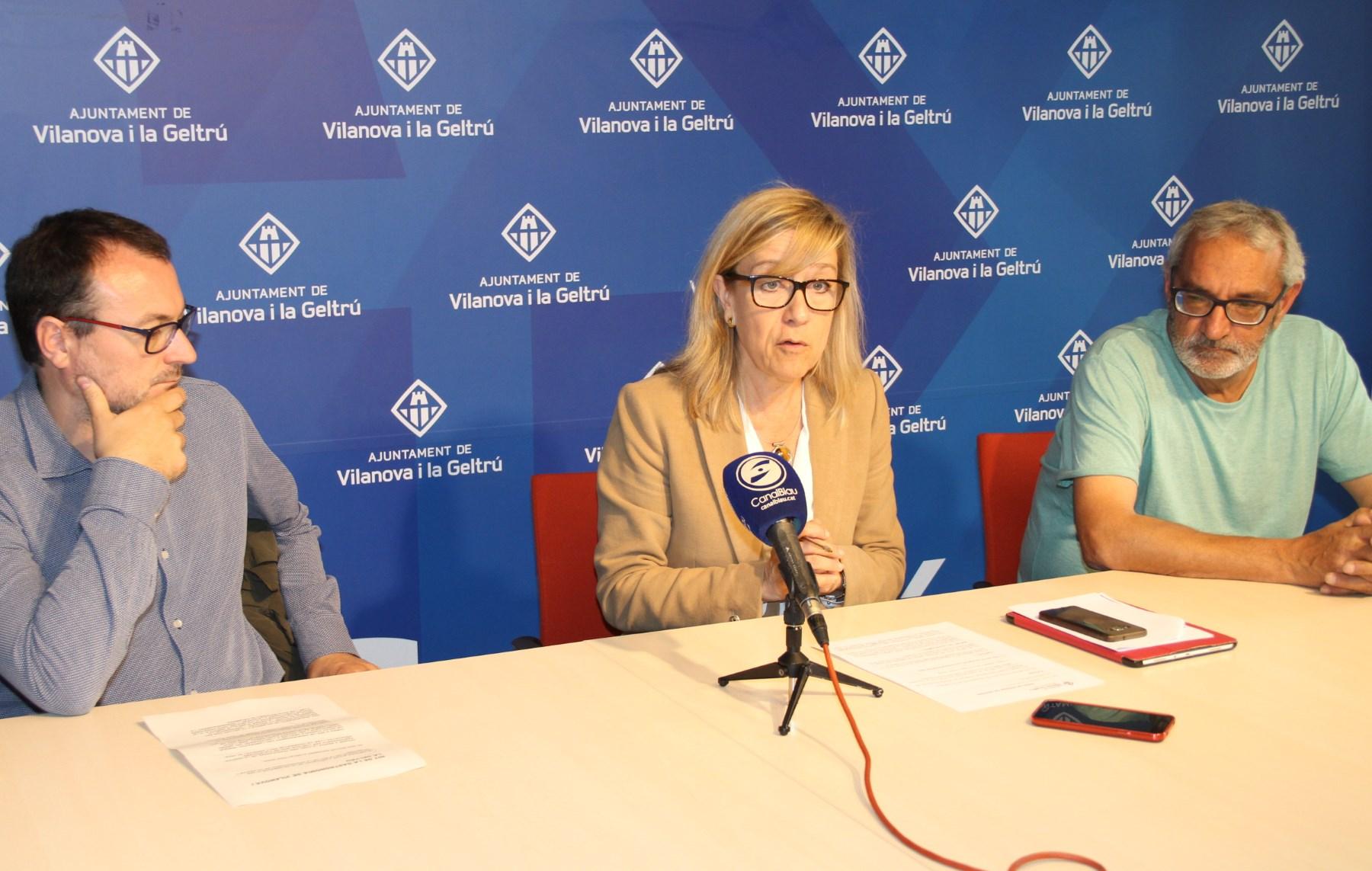 Roda de premsa del govern de VNG amb la Confraria de Pescadors