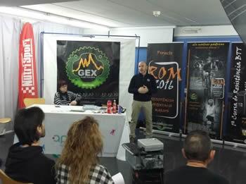 La regidora d'Esports, Blanca Albà, amb Jaume Sellés, president del GEX Club Ciclista