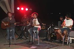 Concert de l'Aclústics a la platja