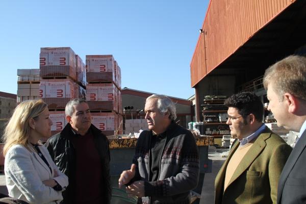 Visita de l'alcaldessa a l'empresa Materials del Garraf